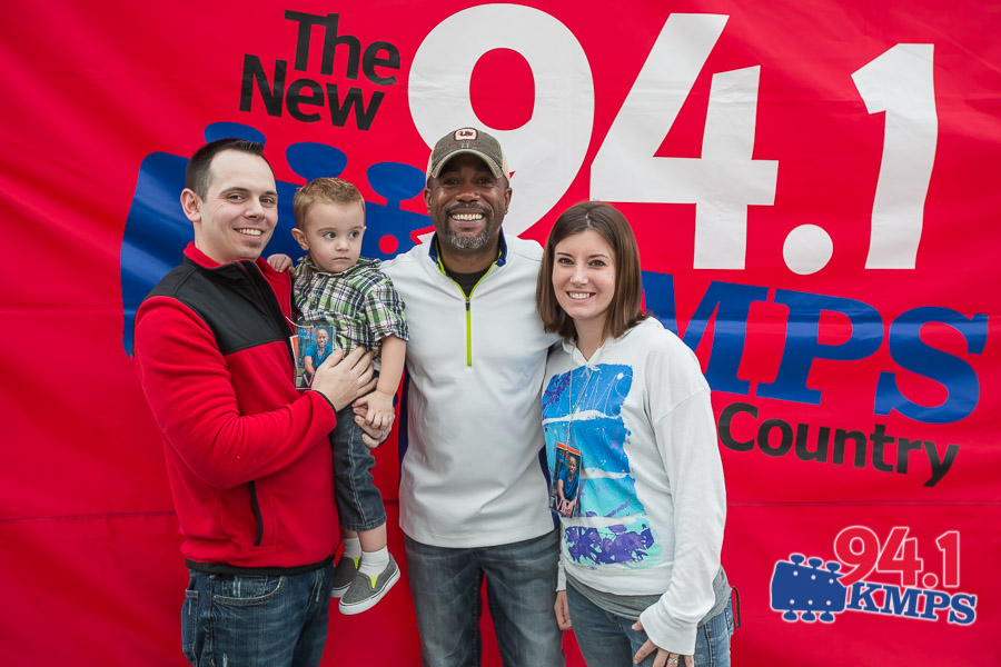 Meet and greet with darius rucker at kmps vibe room davidconger back to gallery m4hsunfo
